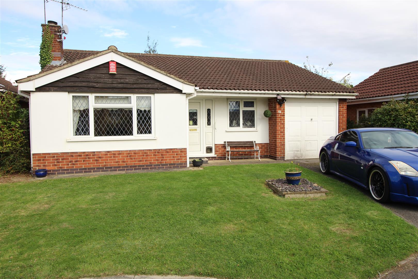 3 Bedrooms Bungalow for sale in Rothbury Avenue, Trowell, Nottingham